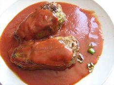 Plněné papriky s rajskou omáčkou Thai Red Curry, Veggies, Beef, Chicken, Ethnic Recipes, Food, Red Peppers, Meat, Vegetables