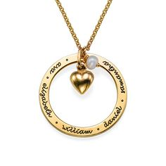 Personalized Mothers Jewelry in Gold Plating Perfect if you're looking for mother's day gifts! Disc Necklace, Name Necklace, Washer Necklace, Gold Necklace, Mother Jewelry, Mom Jewelry, Gold Gold, Name Rings, Gull