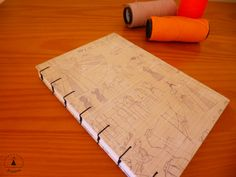 Caderno artesanal. Mais em: www.facebook.com/jubolinha