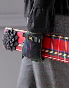 http://anoteonstyle.com/christmas-plaid/