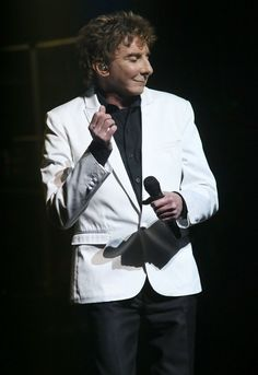 Barry Manilow Broadway-opening-night-curtain.