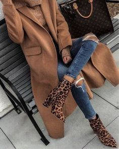 Trendy casual outfit for fall and winter. - mode casual Trendy casual outfit for fall and winter Winter Fashion Outfits, Casual Fall Outfits, Fall Winter Outfits, Look Fashion, Autumn Winter Fashion, Trendy Outfits, Womens Fashion, Casual Boots, Winter Style
