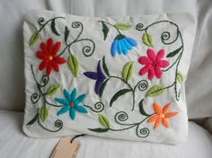 bordados on Pinterest   Embroidered Pillows, Embroidery and French Kn…