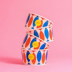 New cups and bowls for 🐟 Retro Packaging, Print Packaging, Packaging Design, Branding Design, Logo Design, Food Branding, Coffee Branding, Restaurant Branding, Typographie Inspiration