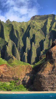 Na Pali coastline, Kauai, Hawaii Beautiful Sites, Beautiful Scenery, Beautiful Landscapes, Beautiful Places, Beautiful Pictures, Cruise Vacation, Vacation Spots, Kauai Hawaii, Jet Plane