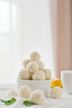 Najlepsze kokosowe kulki – raffaello z kaszy jaglanej Krispie Treats, Rice Krispies, Cereal, Homemade, Cookies, Breakfast, Sweet, Fit, Raffaello