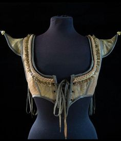 faefashion:  sootsprite:  Selling this lovely bodice, sad to see...