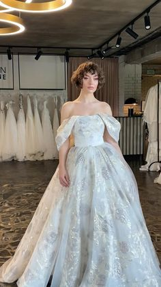 Wedding Dress Bustle, Dream Wedding Dresses, Bridal Dresses, Unique Wedding Dress, Detachable Wedding Dress, Queen Wedding Dress, Princess Style Wedding Dresses, Queen Dress, Princess Dresses
