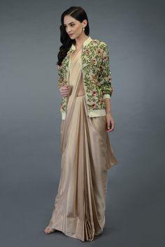 Shopzters | Time to follow the 'Shirt Jacket' Trend! Saree Blouse Patterns, Saree Blouse Designs, Indian Bridal Wear, Next Clothes, Designer Sarees, Shirt Jacket, Bridal Style, Cool Shirts, Latest Trends