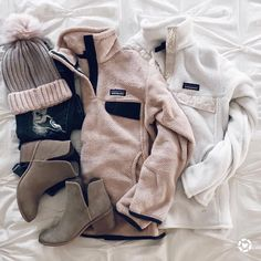 IG- - casual winter outfit inspiration- patagonia fleece Source by winter outfits Casual Winter Outfits, Trendy Outfits, Fall Outfits, Fashion Outfits, Women's Fashion, Preppy Winter, Fashion Clothes, Casual Dresses, School Fashion