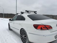VW Passat ThroughBar + WB300 #rackworld #whispbar #yakima #Inno #Thule #Atlant #Lux #Buzzrack #автобагажник #автобокс