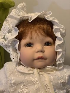 """Dollhouse Miniature ASIAN BABY SITTING INFANT DOLL 1.5/"""" Tall Unknown Brand"""