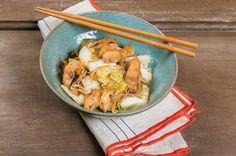 Frango oriental com acelga e broto de feijão | Panelinha - Receitas que funcionam