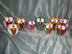 Pine cone owls for the kids to make - these are bright and cute!