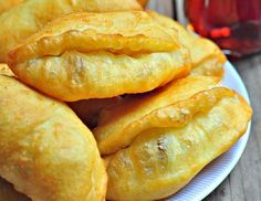 Cat recipe with cheese - Food and Drink Cheese Bagels, Donut Recipes, Cooking Recipes, Easy Recipes, Kurdish Food, Art Cafe, Vegetarian Breakfast Recipes, Greek Cooking, Vegetarian Recipes