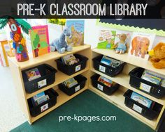 Classroom library center for your preschool, pre-k, or kindergarten classroom. What is a classroom library? An organized and functional classroom library that children can use independently is a vi… Classroom Layout, Classroom Design, Classroom Fun, Classroom Libraries, Head Start Classroom, Classroom Setting, Kindergarten Library, Pre Kindergarten, Class Library