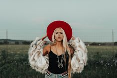 Western Photography, Fashion Photography, Amazing Photography, Photoshoot Themes, Photoshoot Inspiration, Senior Pics, Senior Pictures, Southern Outfits, Country Wear