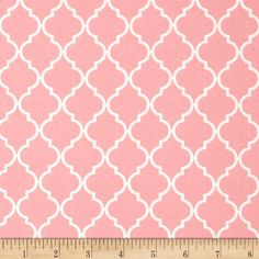 Moda Quattro Quatrefoil Piccalo Pink from @fabricdotcom  Designed by Studio M for Moda, this cotton print is perfect for quilting, apparel and home decor accents.  Colors include white and pink.