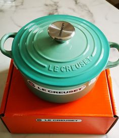 Le Creuset Cool Mint 2Qt Dutch Oven It's a beautiful and hard to find color 1.8L / 2Qt / 18cm Brand new with box and tag ***All Sales are Final * * * Le Creuset Cookware, Find Color, Dutch Oven, Mint, French, Cool Stuff, Box, Beautiful, Iron Pan