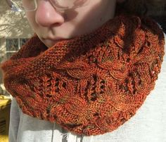 Free Pattern: My Dolphin Cowl by kniTTina.