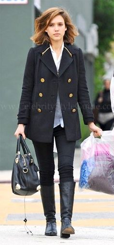 Seen on Celebrity Style Guide: Jessica Alba shopping in Los Angeles December 23, 2010