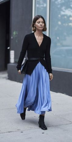 black cardigan. blue pleated skirt. fall street style.