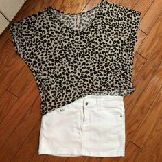 🌺Women top🌺 🌺Women top🌺 size small one shoulder loose Tops Blouses