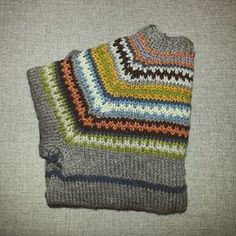 retrokofta bilder - Google-søk Blanket, Crochet, Crochet Crop Top, Rug, Blankets, Chrochet, Knitting, Haken, Quilts