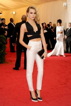 Cara Delevingne, From Model Off Duty to Actress of the Moment - Cara Delevingne Style Evolution-Wmag