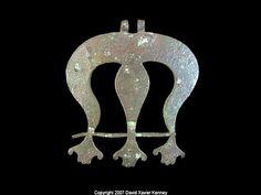 100-300 AD copper meretrix pendant