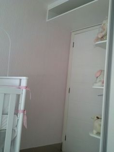 Papel de Parede listrado. Rosa bebê com branco. Delicado.