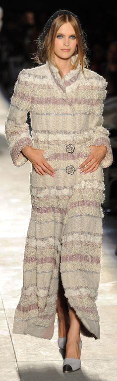 ✜ Chanel | Paris | Winter 2013 ✜ http://mdmujer.com/2012/07/04/lo-que-no-te-puedes-perder-hoy-new-vintage/