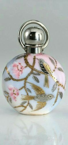 perfume bottle with silver gold gilt birds - .ukscent perfume bottle with silver gold gilt birds - . Perfumes Vintage, Antique Perfume Bottles, Vintage Perfume Bottles, Bottle Vase, Glass Bottles, Wine Bottles, Glass Vase, Objets Antiques, Beautiful Perfume