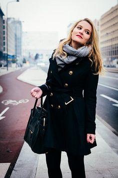Looks like chic German winter wear. Fall Winter Outfits, Winter Wear, Autumn Winter Fashion, Autumn Coat, German Fashion, European Fashion, Europe Outfits, Winter Stil, Looks Chic