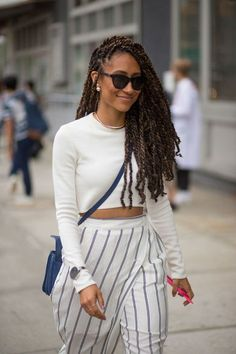 Best New York Fashion Week Street Style Spring 2016 - NYFW Street Style Click this image for more info. Box Braids Hairstyles, Marley Twist Hairstyles, Hairstyles 2018, Hairstyles Videos, Dreadlock Hairstyles, Long Hairstyle, Hair Updo, Protective Hairstyles, Wedding Hairstyles