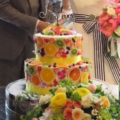 今披露宴で一番人気のフルーツ断面ケーキのデザインまとめ | marry[マリー] Beautiful Wedding Cakes, Beautiful Cakes, Amazing Cakes, Bling Wedding Cakes, Floral Wedding Cakes, Take The Cake, Love Cake, Naked Cake, Asian Desserts
