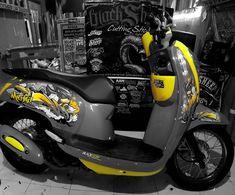Scoopy sonic yellow grayscale    #scoopy #grayscale #yellow #mothai  #Cuttingsticker #3dcuttingsticker #blacksheepstickart #Banyuwangi & follow Instagram kami  @ckdsign