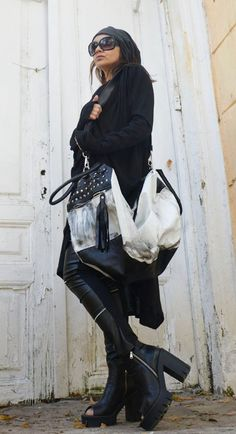 Black and White Maxi Bag / Oversize Leather Tote Bag / Fringe Tassel Bag / High Quality Tote Asymmet Leather Pieces, Black Leather Bags, Maxi Noir, Black And White Bags, All Fashion, Fashion Trends, Fashion Outfits, Max Black, White Maxi