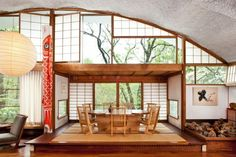 Ideas wooden table paper screens japanese style house interior – how to create a balanced zen ambience Japanese Interior Design, Home Interior Design, Interior Architecture, Interior And Exterior, Studio Interior, Deco Design, Design Case, Le Style Zen, Design Japonais