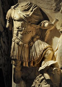 """Detail of the Apotheosis of Lucius Verus. Scene from a cycle """"Apotheosis"""" of the Parthian frieze from Ephesos. Dolomitic marble from Thasos. 186 x 163 cm. After 169 CE. I Vienna, Ephesos Museum. Roman History, Art History, European History, American History, Roman Sculpture, Sculpture Art, Ancient Greek Sculpture, Ancient Armor, Roman Soldiers"""
