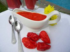 B Hot pepper sauce Paprika Sauce, Hot Pepper Sauce, Stuffed Hot Peppers, Gravy, Punch Bowls, Colorful, Salsa