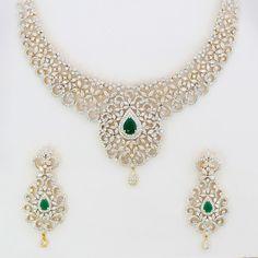 Emeralds and diamonds... Elegant!