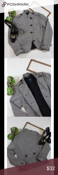 """GAP Tweed wool blend blazer Brand - GAP Size - M Material - 51% wool, 41% viscose, 100% polyester Sleeve lining, rest of the Lining 100% cotton. Length - 24"""" (measured at top back of garment top to bottom of hem of garment) Sleeves - 24 Pit to Pit - 17.5"""" Excellent used condition No stains, rips or tears GAP Jackets & Coats Blazers"""