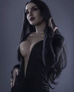 Gothic Fantasy Art, Fantasy Art Women, Fantasy Girl, Vampire Love, Vampire Art, Vampire Photo, Goth Beauty, Dark Beauty, Vampire Pictures