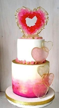 Geode Wedding Cakes Ideas Make You Forget All Other Cakes Looking for the hottest cake trend in this wedding season? Geode Wedding Cakes is The big trend now! Gorgeous Cakes, Pretty Cakes, Cute Cakes, Amazing Cakes, Bolo Geode, Geode Cake, Crazy Cakes, Fancy Cakes, Pink Cakes