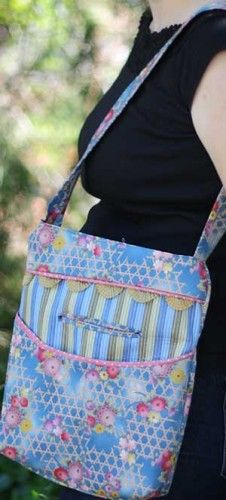 The Two Pocket Tote Pattern | PatternPile.com