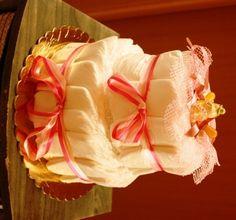 Disposable diapers cake (you can use the ecological ones / Torta di pannolini usa e getta (si possono usare quelli ecologici) - by Francesca Gentile