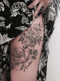 Sparrow and peonies by Tritoan Ly - Seventh Day Tattoo Studio - Auckland New Zealand