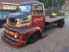 Coca Cola ratrod Ford COE, again, with flat bed. Pic 3