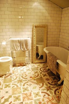10 Colourful and Modern Spanish Tile That Attract Your Bathroom - Decomagz The Effective Pictures We Offer You About floor tile brown A quality picture can tell you many things. You can find the most Victorian Tiles, Victorian Bathroom, Antique Tiles, Victorian House, Bathroom Floor Tiles, Wall Tiles, Tile Floor, Cement Tiles, Basement Bathroom